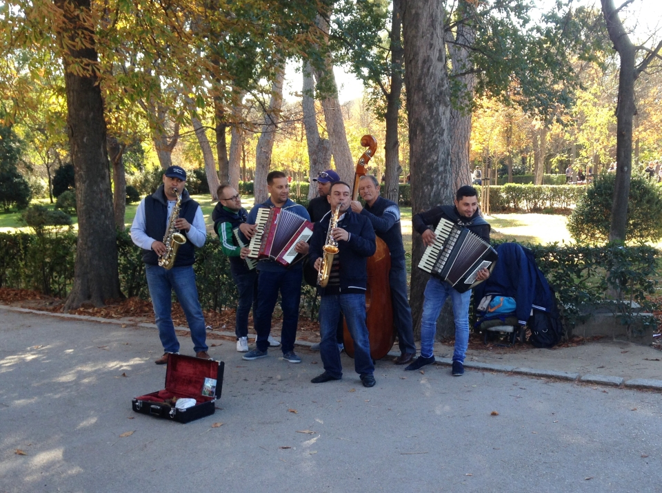 Musicians at El Retiro, Madrid